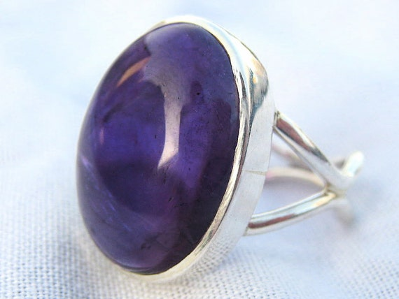 Purple Amethyst Sterling Silver Ring . Birthstone . US Size 7.25