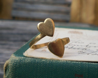 vintage brass ring / vintage ring / adjustable / DOUBLE HEART RING