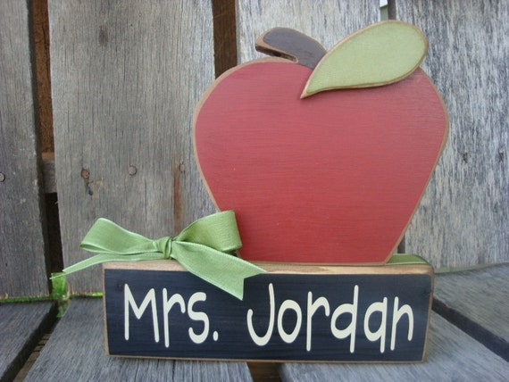 End of School Year, Birthday, Chrsitmas, Teacher Appreciation Gift with Name Block and Wood Apple