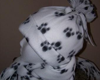 Paw Print Fleece Hat and scarf Set