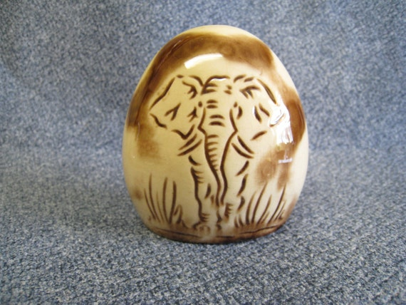 Elephant Giraffe Kruger Park Ceramic Salt or Pepper Shaker South Africa Safari Souvenir