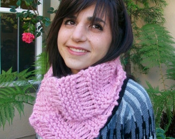 Rose Super Thick Knitted Dropstitch Cowl