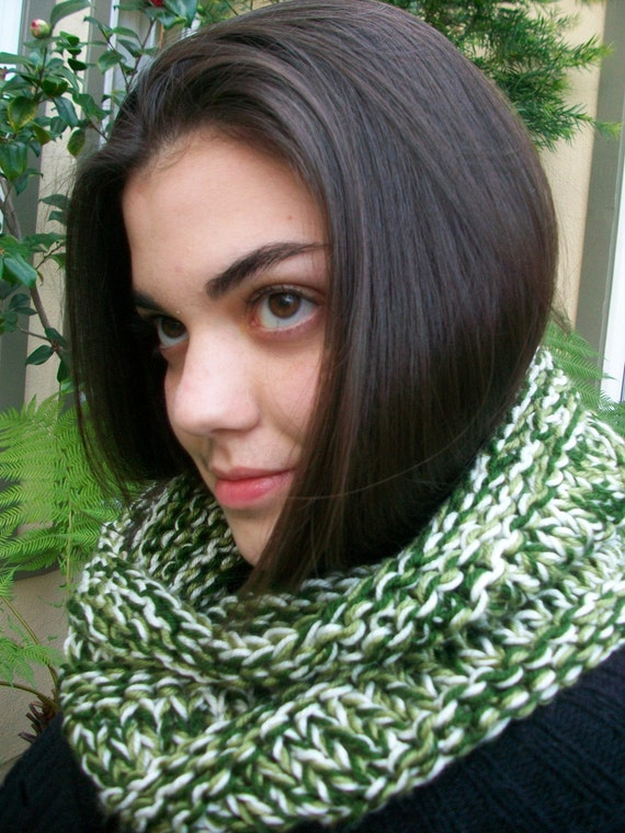 Green Variegated Knitted Cowl
