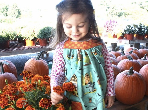 Childs Retro Halloween Apron, Trick or Treat, Toddler Apron, Holiday,  Kids Apron, Girls Apron, Pumpkin, Jack O' Lantern, Handmade 12M-4T