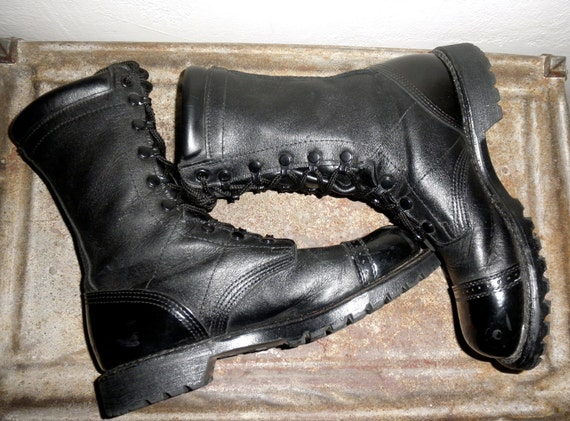 Corcoran Black Leather Jump Boots with Patent Leather Heel and Toe - Unisex and in AMAZING Condition