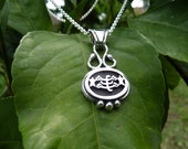 Bahai Silver Ring-symbol in notable oval pendant