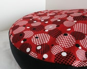 """DOG BED COVER Red/White/Black Circles with Black Sides 26"""" Round"""