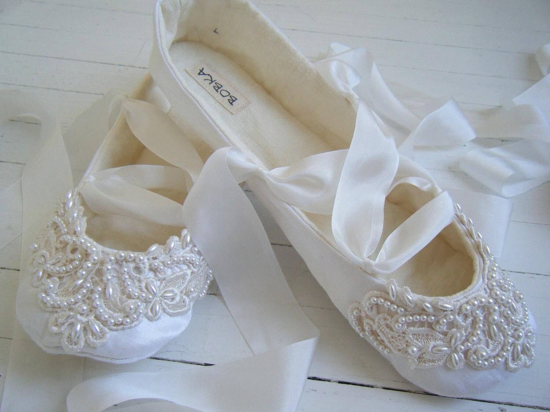 georgies bridal shoes bridal shoes low wedding flats Bridal Shoes Low heel Flats Wedges PIcs in Pakistan Mid Heel Low Heel Ivory Photos Georgies Bridal Shoes Bridal Shoes Low heel Flats Wedges PIcs