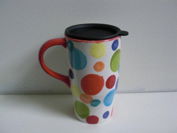 Bright Polka Dot Ceramic Travel Car Mug with Lid in Bright Red