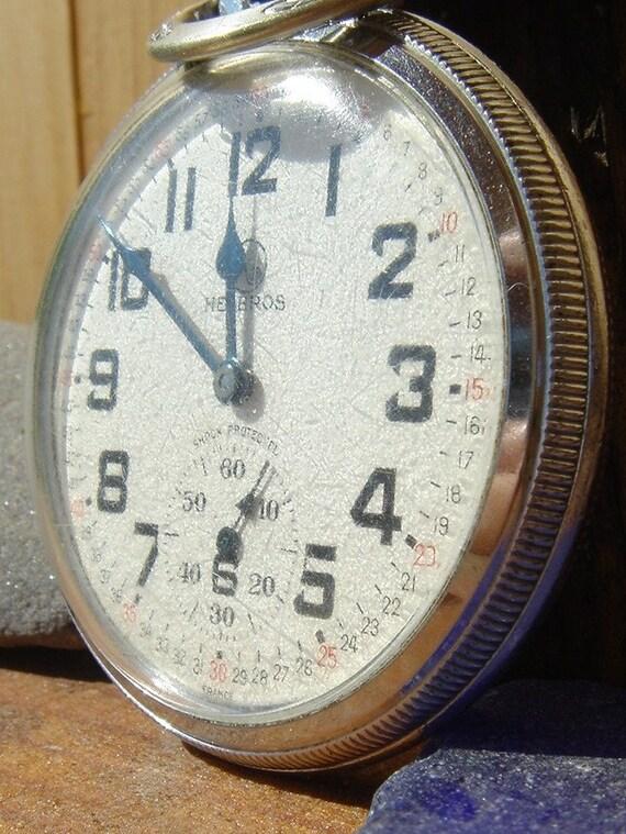 Vintage HELBROS Watch/Swiss/17 Jewels/Garnets