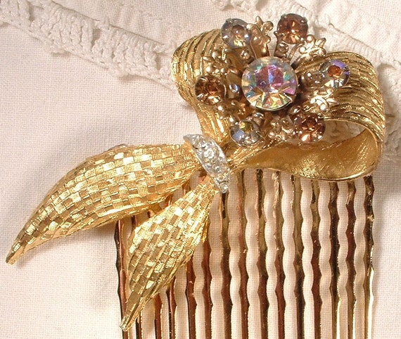 TRUE VINTAGE Champagne Rhinestone Bridal Hair Comb - 22K Gold Comb w/ Heirloom Brooch