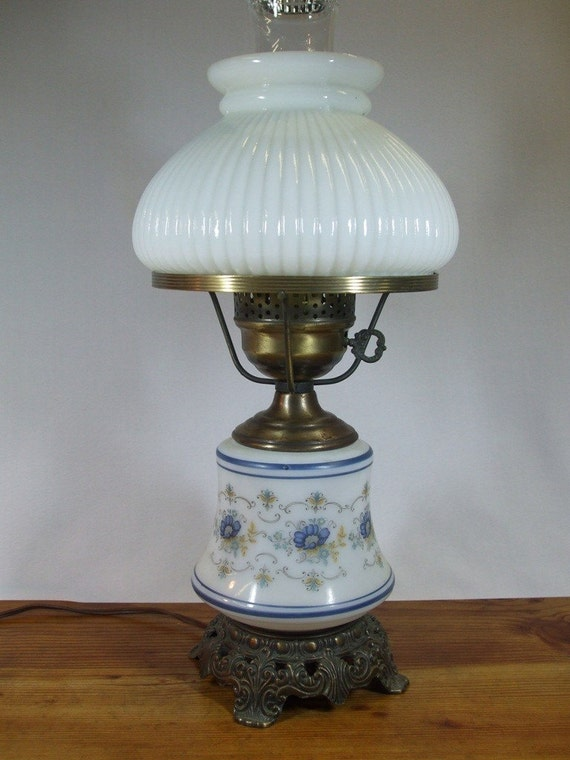 Vintage Blue Floral Quoizel Abigail Milk Glass Lamp