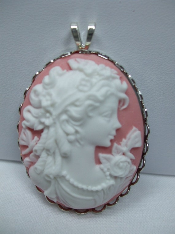 Vintage Grecian Pink and White Cameo Pendant
