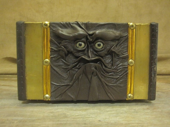 "Grichels leather and wooden extra large trinket box - ""Trubin"" 14302 - dark chocolate brown with green star eyes"