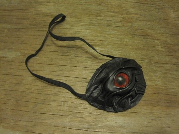 Grichels leather eyepatch - black with red eye