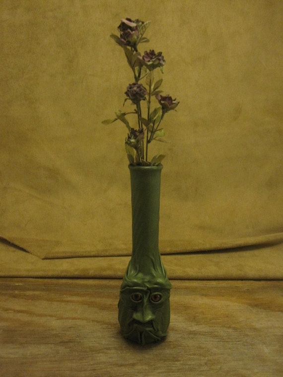 """Grichels tall bud vase - """"Crunchet"""" 15501 - leaf green leather with rusty brown slit pupil eyes"""