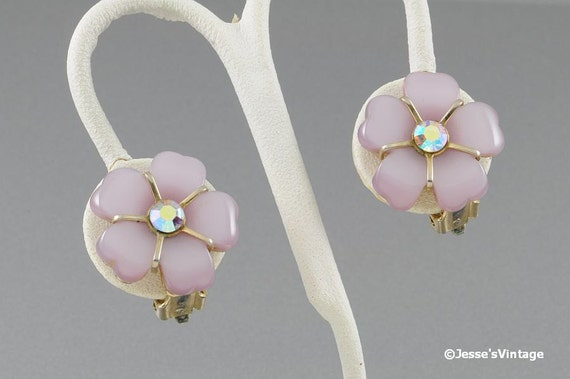 Vintage Earrings Pink Thermoset