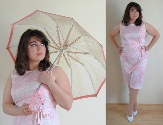 SALE Plus Size Dress 1960's Pink and White Leaf Pattern Shift Dress with Belt // April Showers Spring Fashion // Size 14