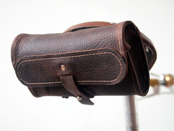 The Seeker - Oil-Tanned Leather Saddle Pouch