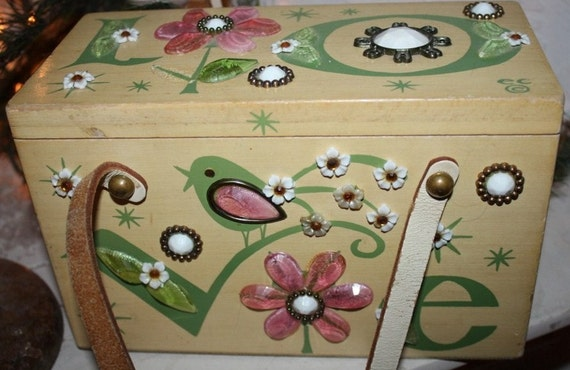 RaReSt Mod 60's Vintage Enid Collins LOVE Jewels n Daisies n Singing Bird Wood Lunch Box Style Handbag Purse