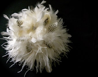 Ivory feather bouquet with black and white feathers