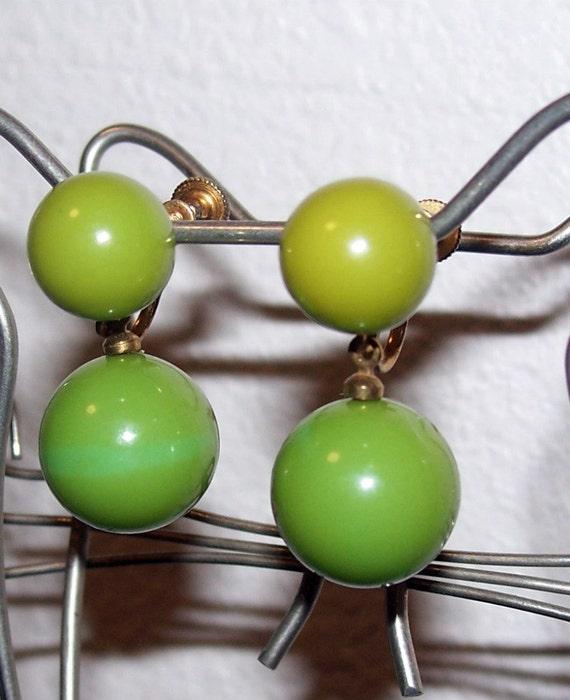 Vintage Green Bakelite Earrings Dangle Balls Screw On