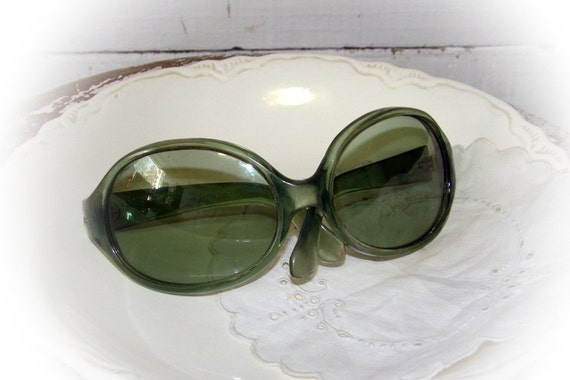 new price - 60s bug eye green sunglasses by swank  at MontanaSnowVintage