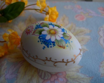 Egg Trinket Box Handpainted Vintage