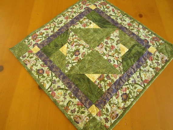 Table Topper Green Floral, Centerpiece, Quilted Table Topper, Table Square