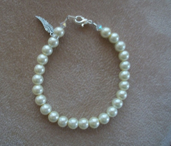Pearl Bracelet, Wedding Jewelry, by Brendas Beading