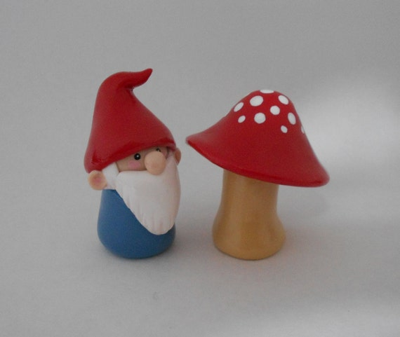 Red Gnome and Mushroom
