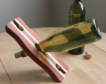 Laminated Balancing Wine Bottle Holder (Bloodwood)