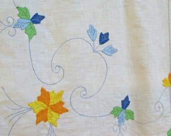 Vintage Applique Floral Tablecloth and Napkins,