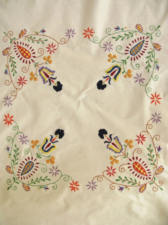 Vintage Tablecloth Embroidered Floral