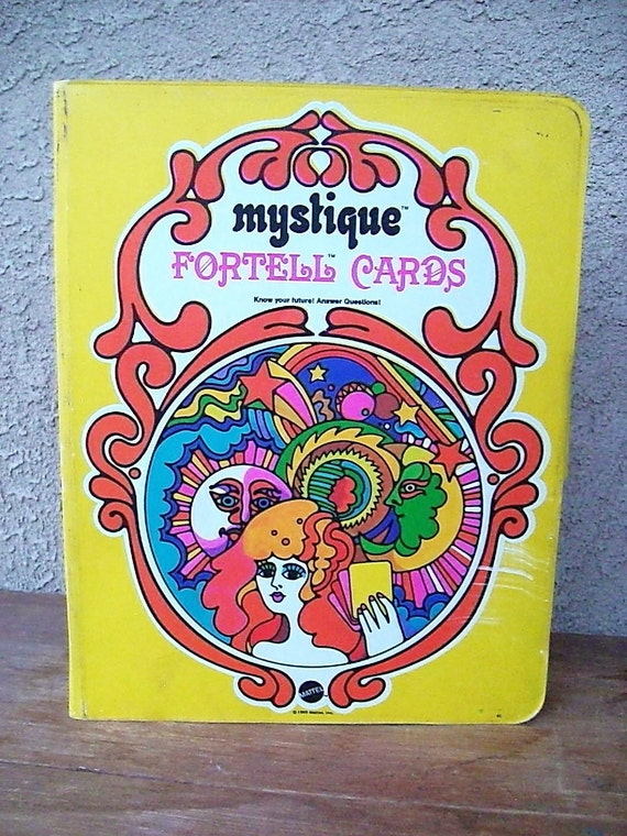 Vintage  60s Mystique Fortell Cards Carrying case