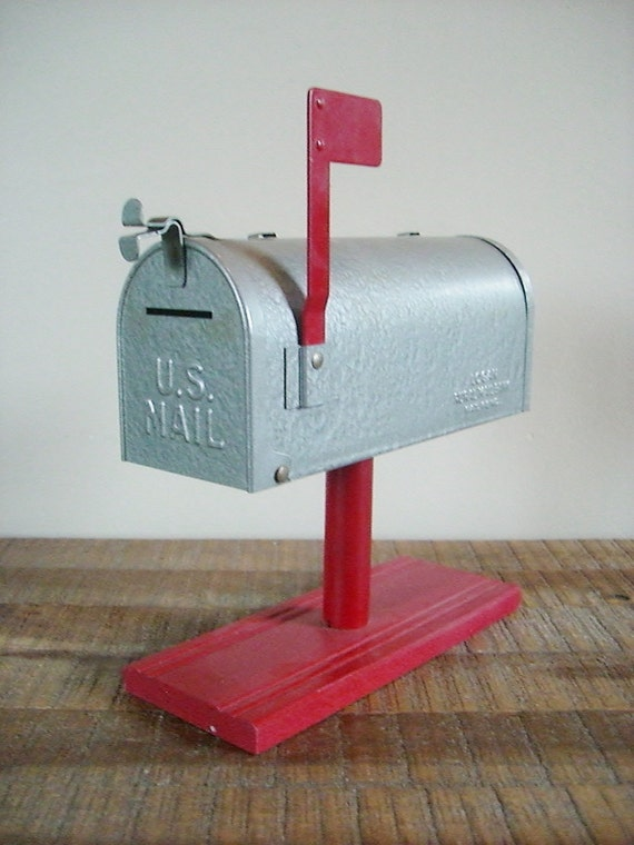 Vintage Logan Rural Mailbox Coin Bank