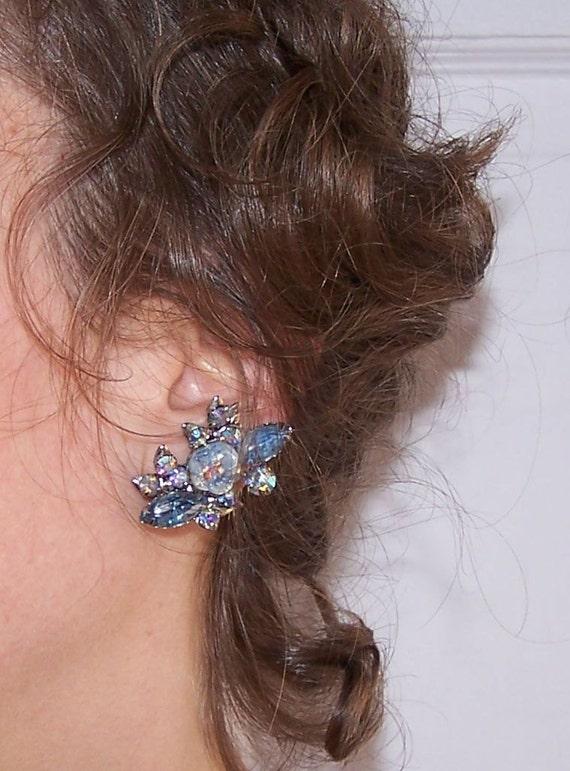 Prong Set Light Blue Aurora Borealis Vintage Rhinestone Spray Clip  Earrings