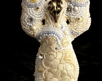 Dancereuse (bead embroidered doll)