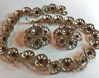 Red Rhinestones Wagon Wheel Necklace Set