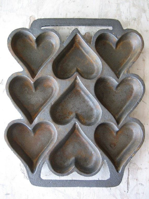 Rusty Cast Iron Hearts Baking Pan By Riverwoodprimitives