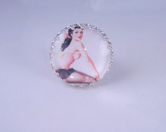 Pretty Pinup - Silverplate Elegant Crown Design 25MM Ring Base with glass