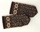 High quality hand knitted  warm wool mittens , gloves  Grey and Black pattern Decorated with bright Daisies