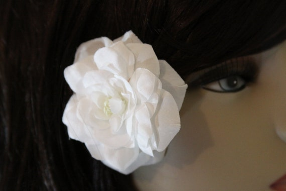 1 White Rose on an Alligator Clip - Handmade Flower Hair Accessories