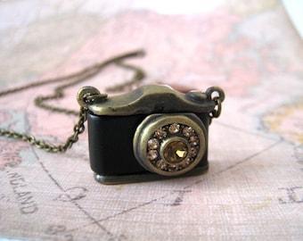 Camera Necklace. vintage style rhinestone camera pendant