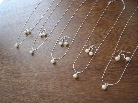 6 Bridesmaid Gift Sets Single Pearl Wedding - Necklace, Earrings - bridesmaid jewelry under 15
