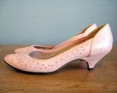 Kitten Heel Vintage Pink Low Pastel Shoes 80s sz 7.5