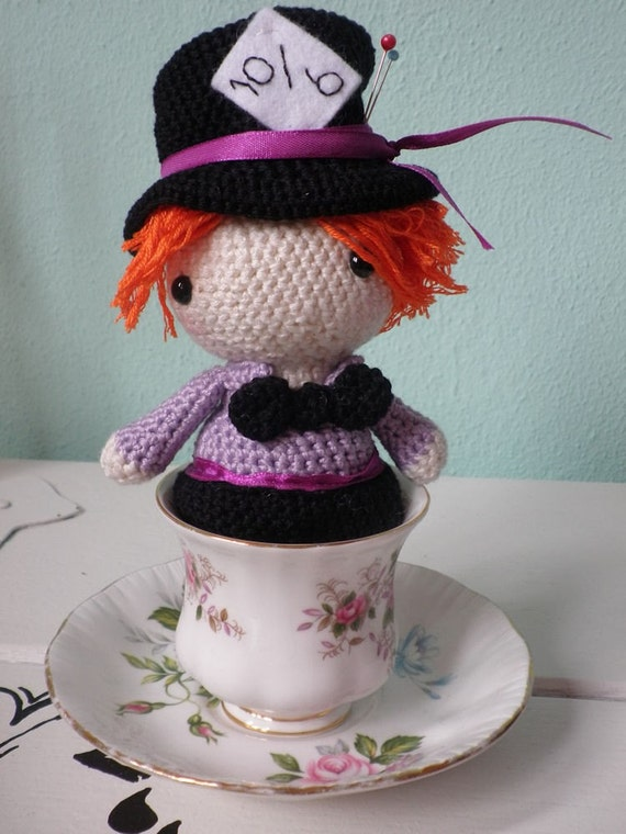 crochet amigurumi pattern Mad hatter from alice in wonderland