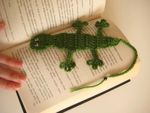 Green CROCHET BOOKMARK Creature, Lizard, Crocodile with Long Tail - Gift for Her, for Him - Ready to Ship