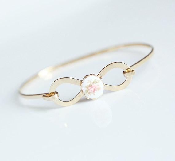 Rose n' Bows - Vintage Cameo Bracelet