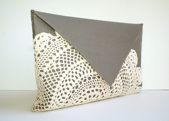 Doily Clutch purse. Envelope style, in Gray.